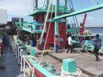 kapal-ikan-berbendera-malaysia-ditangkap_20170529_112458.jpg