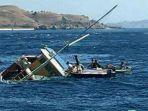 kapal-nahas-yang-tenggelam-di-perairan-labuan-bajo-ist_20170730_195648.jpg