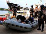 kapal-pengangkut-1-ton-shabu-ditangkap-di-batam_20170717_221637.jpg