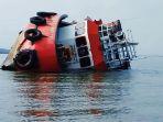 kapal-tug-boat-tb-dengan-tanda-selar-tb-bintang-setiawan-kandas-dan_20180923_163257.jpg