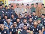kapolres-lumajang-berfoto-bersama-relawan-keamanan-desa-yang-baru-dibentuk.jpg