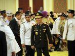 kapolri-terima-anugerah-first-class-police-force-bravery-award_20171210_181007.jpg