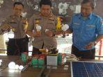 Rangkaian Solar Cell Aiptu Widarto Menerangi Rumah Janda Sebatang Kara, 10 Tahun Pakai Ublik