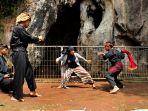 kawasan-wisata-prasejarah-gua-pawon-cipatat_20210520_182153.jpg