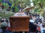 keberangkatan-jenazah-didi-kempot-menuju-pemakamanjpg.jpg