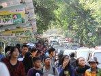 kebun-binatang-ragunan-diserbu-ribuan-wisatawan_20150720_215707.jpg
