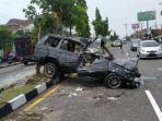 Pengakuan Saksi Mata Tabrakan Adu Banteng Toyota Kijang vs Hiace di Sleman: Kedua Kendaraan Remuk