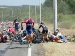 kecelakaan-tour-de-france-2_20150707_133712.jpg