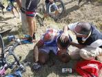 kecelakaan-tour-de-france_20150707_132708.jpg