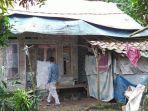 kehidupan-janda-di-cianjur-hidupi-3-orang-anak-dan-tinggal-di-rumah-terpal-belum-tersentuh-bantuan.jpg