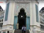 keindahan-desain-masjid-raya-al-mashun-dibangun-pada-1906-dengan-konsep-dari-tiga-negara_20180519_155309.jpg