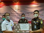 Uang Rp 3,6 Miliar Hasil Penjualan Aset Terpidana Korupsi Ng Tjuen Wie Diserahkan ke Kas Negara