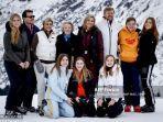 keluarga-kerajaan-belanda-saat-sesi-foto-tahunan-di-lech-austria-25-februari-2020.jpg
