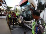 kemacetan-akibat-kecelakaan-di-tol-cipali_20180610_184112.jpg