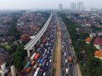 kemacetan-di-kawasan-cikunir_20180607_170418.jpg