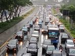 kemacetan-ditengah-penerapan-psbb-di-jakarta_20200518_205035.jpg