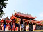 kembali-dibuka-sam-poo-kong-mulai-ramai-dikunjungi-wisatawan_20200712_220431.jpg