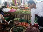 kementan-siapkan-1000-toko-tani-untuk-lindungi-petani-indonesia_20151106_155448.jpg
