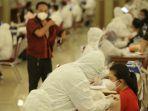 kemnaker-dan-kemenkes-vaksinasi-1000-pekerja_20210504_223224.jpg