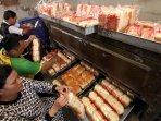 kenaikan-harga-bahan-baku-pembuatan-roti_20150305_093753.jpg