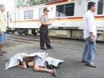 kereta-api-commuterline-menabrak-orang-hingga-tewas_20160915_130702.jpg
