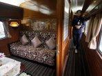 kereta-api-pariwisata_20160613_022922.jpg