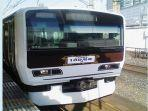 kereta-api-yamanote-line-hitam.jpg