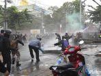 kericuhan-demo-di-thailand.jpg