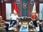 Jadi Simbol Budaya Madura, Ketua DPD RI Berharap Kelestarian Karapan Sapi Dijaga