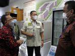ketua-mpr-ri-bambang-soesatyo-saat-mengunjungi-pabrik-phc-indonesia-di-cikarang.jpg
