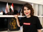 ketua-umum-partai-solidaritas-indonesia-psi-grace-natalie_20190430_215155.jpg