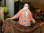 ketua-yayasan-batik-indonesia-yanti-isfandiary-airlangga-123.jpg