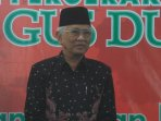 kh-mustofa-bisri-dianugerahi-gusdur-awards-2016_20160127_122032.jpg