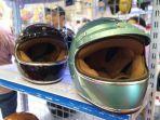 koleksi-helm-cargloss-tipe-cafe-racer.jpg