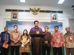 komisioner-kpu-temui-presiden_20150211_150700.jpg