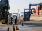 kondisi-bangkai-crane-yang-jatuh-menimpa-container_20190715_214012.jpg