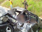 kondisi-mobil-setelah-kecelakaan-terjadi_20180721_153845.jpg