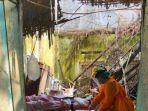 Nenek 69 Tahun Sakit Telantar, Penuh Belatung di Baju dan Celana, Tinggal di Rumah Tak Layak Huni