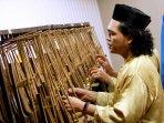 konser-alat-musik-tradisional-karawitan_20160330_131205.jpg