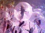 konser-di-dalam-gelembung-plastik.jpg