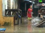 korban-banjir-jatinegara-masih-bertahan-di-rumah_20170213_234920.jpg