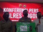 Fakta Perangkat Desa Rumpin Korupsi Dana Bansos: Suruh Figuran Akting di Kantor Pos, Sekdes Jadi DPO
