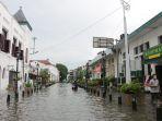 kota-lama-semarang-lumpuh-akibat-banjir_20210207_003729.jpg