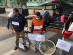 Rekonstruksi Korupsi Bansos Covid-19: Operator Ihsan Yunus Terima Rp 1,5 Miliar dan 2 Sepeda Mewah