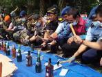 kppbc-pekanbaru-musnahkan-barang-bukti-senilai-rp14-m_20160804_164044.jpg