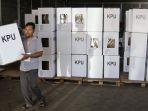 kpu-kota-yogyakarta-merakit-kotak-suara-pemilu-2019_20190206_145054.jpg