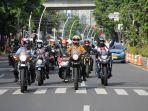 lady-biker-royal-enfield.jpg