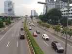 lalu-lintas-tol-dki-jakarta-jabar-dan-banten-turun-hingga-60_20200428_211341.jpg