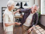 Survei, Banyak yang Khawatir dengan Masalah Kesehatan di Usia Tua