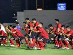 latihan-perdana-timnas-indonesia-senior_20200214_223415.jpg